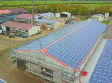 748,41 kWp – Jeetze II – Photovoltaikanlage - Geb.-2-u.-3_Jeetze-II_DC-fertig_SunShineEnergy-scaled.jpg